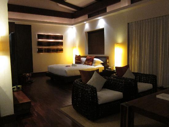 Abaca Boutique Resort: seaview pool villa room from the entryway