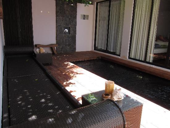 Abaca Boutique Resort: seaview pool villa pool with outdoor shower