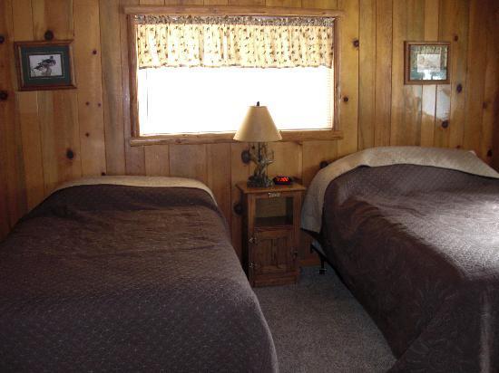 كوايل كوف ليكسايد لودج: Cabin #3 - Bedroom