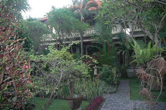 쿠스나디 호텔 사진