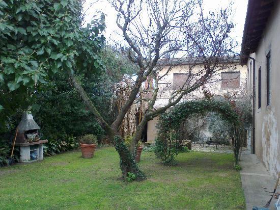 Casa Biancalana: Il giardino di Biancalana