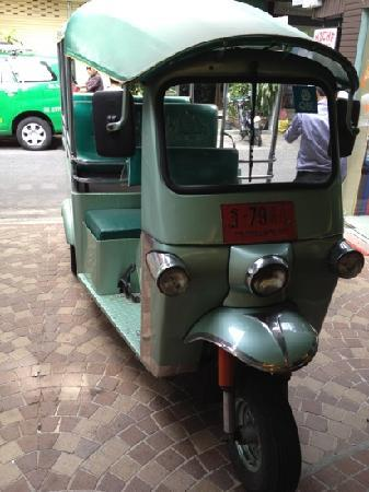 Citin Pratunam Hotel by Compass Hospitality: so call free tuk tuk.