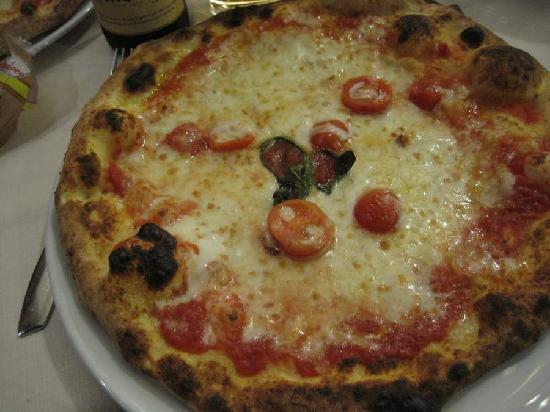 Mozzo, Italia: Pizza Troisi..