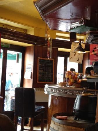 Botak Cafe: inside
