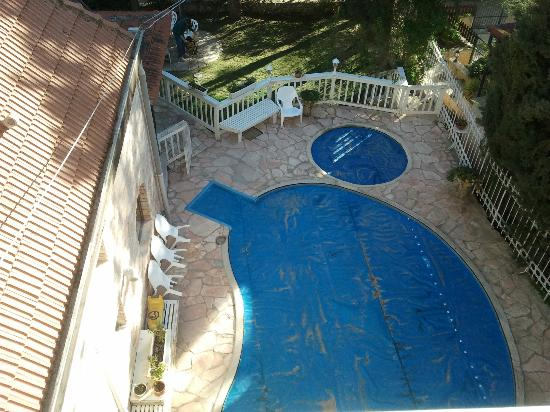 Rose of Castel Residence: view of the swimming pool from the room