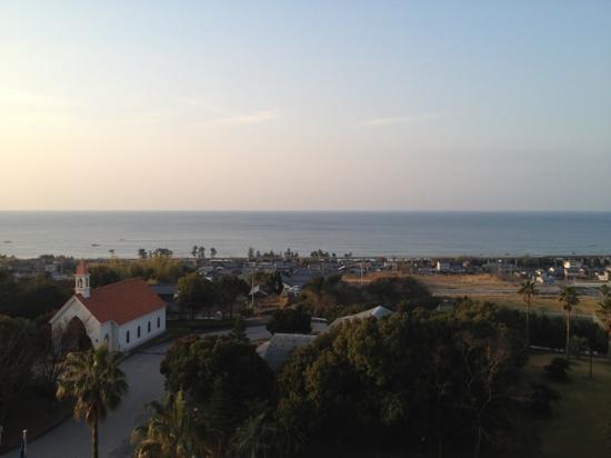 Tosa Royal Hotel : 客室から見た土佐湾です