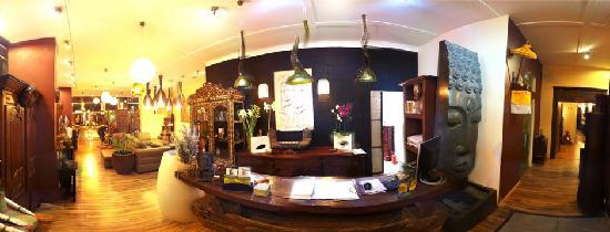 Beauty Balinese Boutique : reception