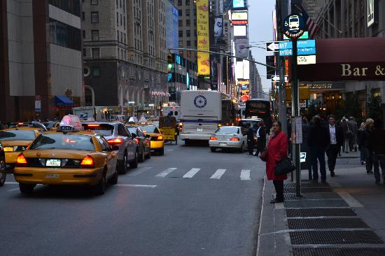 Four Points by Sheraton Manhattan Chelsea: Try to catch a cab! LOL