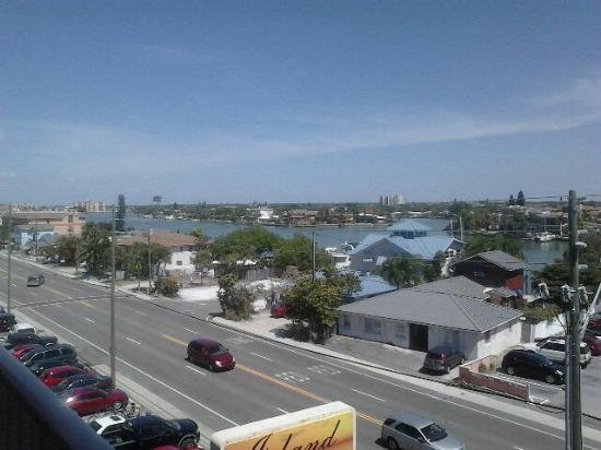 Island Inn: beautiful view of the bay