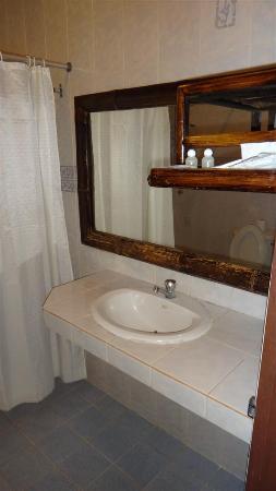 Mae Salong Villa: The sink