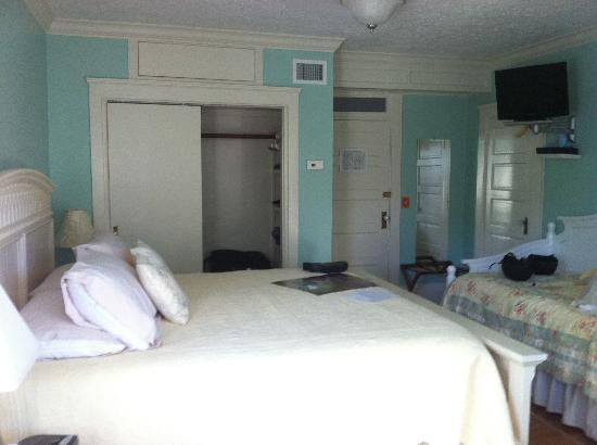 River Lily Inn Bed & Breakfast: Another pic of our room