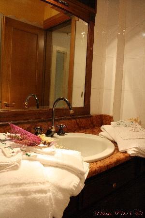 I Due Fari : Bagno appartamento ALLA MARINA