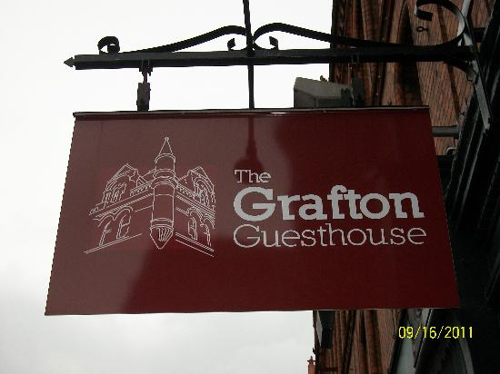 Grafton Guesthouse: a little hard to find until you see the sign!