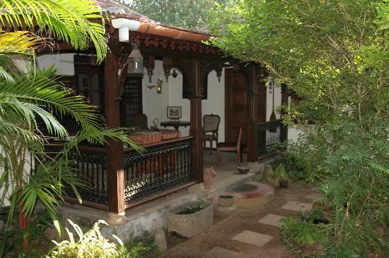 Motty's Homestay: Motty and Lali's verandah
