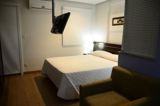 Mont Blanc Duque de Caxias: The bed in the studio