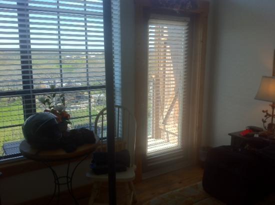 Gruene River Inn : Doors to Balcony- Pedernales Room