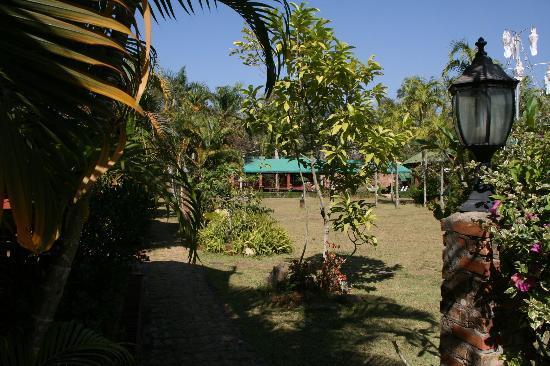 Chiangsan Goldenland Resort : Jardin