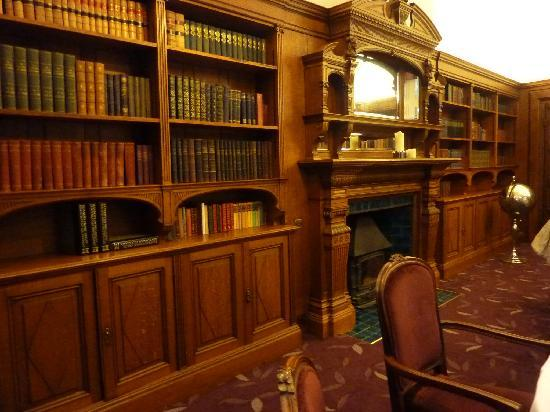 Hampton Manor: The Library
