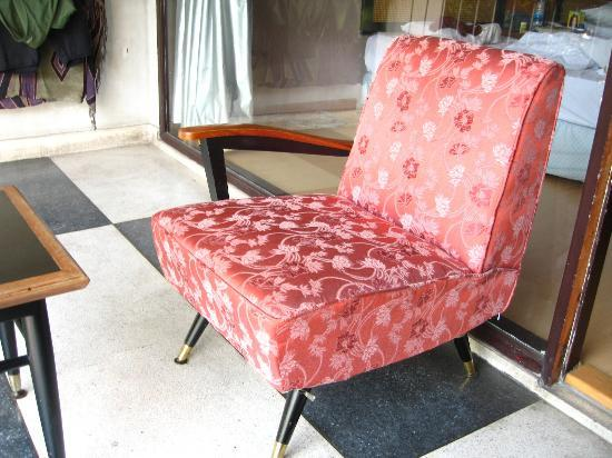 Hotel De Moc: This was the only chair I had