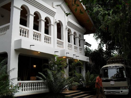 Kilimanjaro Mountain Resort : The front of the hotel