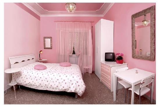 Affittacamere Scriva: PINK Bedroom with private bathroom