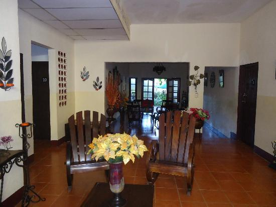 Hotel El Raizon: sitting area