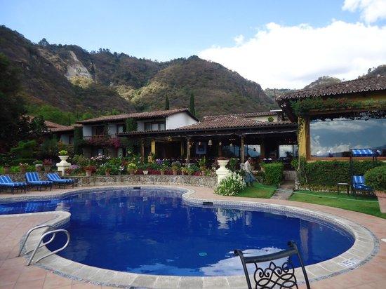 Hotel Atitlan: vista desde la habitación