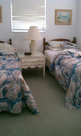 Gulf Breeze Cottages: GUEST BEDROOM