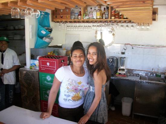 Kiosco Beach : Friendly Barmaids