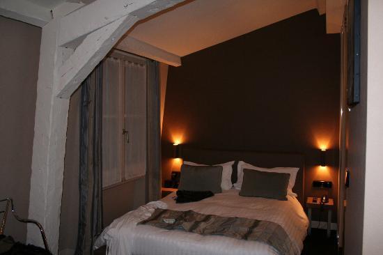 "Hotel de Notre Dame ""Maitre Albert"": Room 55"