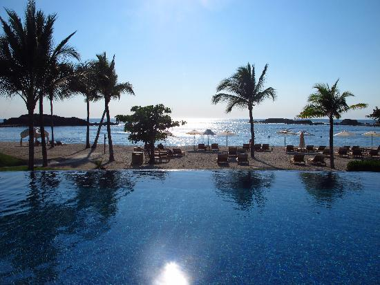The St. Regis Punta Mita Resort: Pool in front of Sea Breeze restaurant
