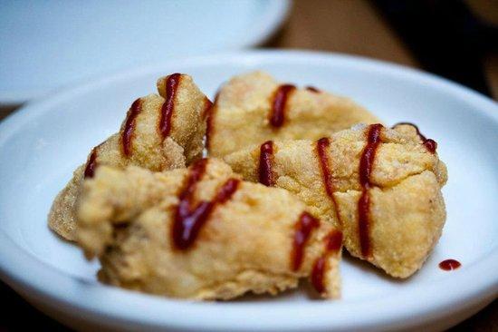 Elliot's Cafe : Chicken fried in buttermilk