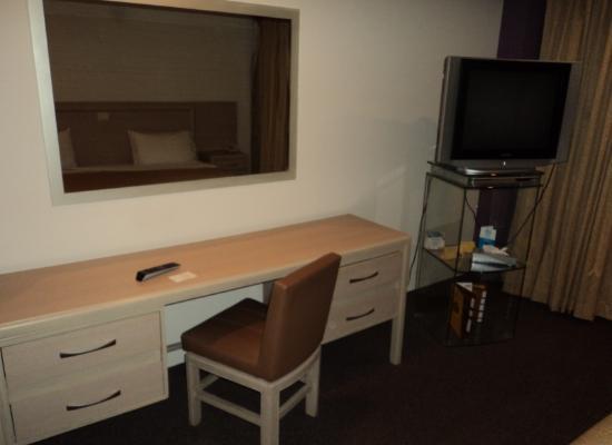 Hotel Marbella: TV pantalla plana y mesa de trabajo