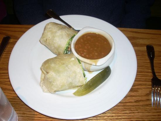 Hearth 'n Kettle Hyannis: A Chicken Caesar wrap with a side of baked beans; note lack of interesting garnish