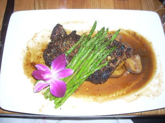 Grand Cru Wine Bar & Grill: Steak au Poivre is an excellent choice here.
