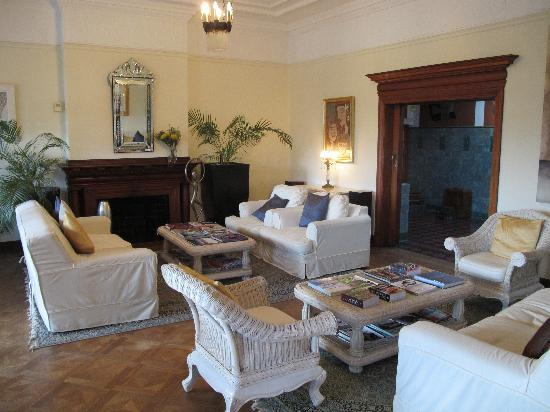 Cape Riviera: The sitting room