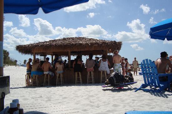 Hilton Clearwater Beach: The tiki bar