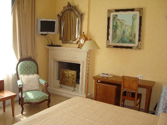 hermitage hotel suite