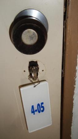 Marbellamar Hotel & Resort: llave y cerradura rota