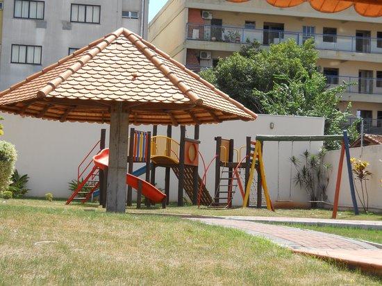 Nadai Confort Hotel & SPA: Jardin