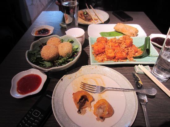 Yauatcha: Sesame balls, tofu and vegetable puffs