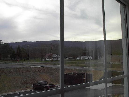 Microtel Inn & Suites by Wyndham Keyser : mountain windmills  out the room window