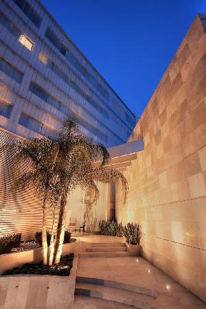 Suites Teca Once: Entrance