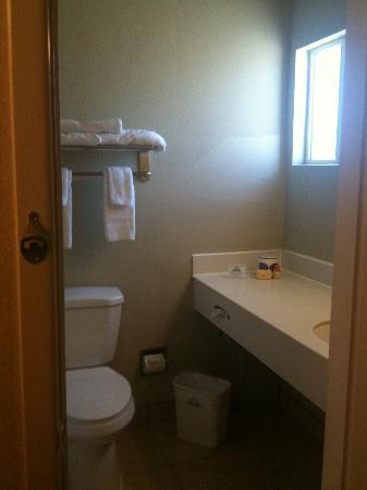 Days Inn Roswell: Bathroom