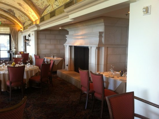 Trump National Golf Club: Dining room.