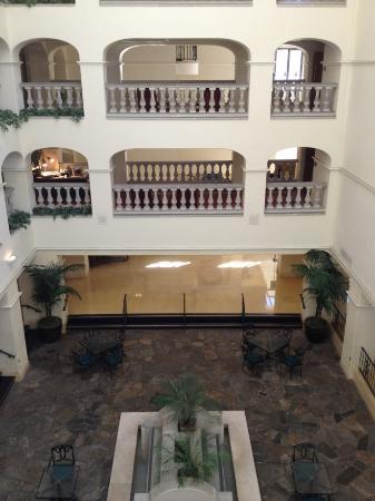 Hyatt Regency Westlake: Atrium