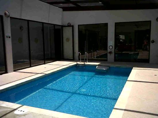 The Haven and Spa: pool with current to swim against for exercise