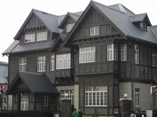 Old Mojimitsui Club : 旧三井倶楽部・本館