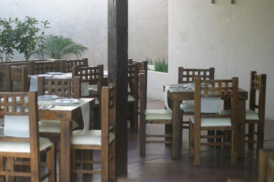 Healthy Restaurant & Wine Bar: The patio seating.