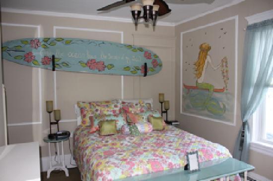 Morning Dove Inn : Surf's Up